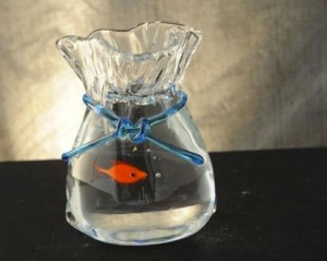 acquario-sacchetto-con-pesci-rosso--sculture-artistiche--linea-acquari--a007cm14-213045z0